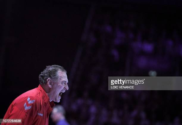 Serbia's coach Ljubomir Obradovic shouts to his players during the Women Euro 2018 handball Championships Group 1 main round match between Serbia and...