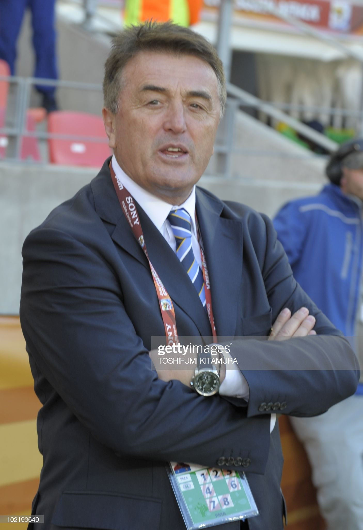 ¿Cuánto mide Radomir Antic? - Altura - Real height Serbias-coach-radomir-antic-attends-the-2010-world-cup-group-d-first-picture-id102193649?s=2048x2048