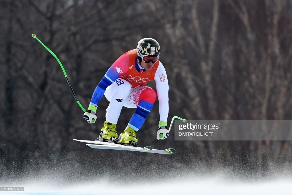 TOPSHOT - Serbia's Marko Vukicevic takes part in the Men's Downhill 2nd training at the Jeongseon Alpine Center during the Pyeongchang 2018 Winter Olympic Games in Pyeongchang on February 9, 2018. / AFP PHOTO / Dimitar DILKOFF
