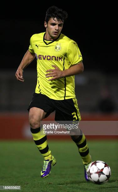 Serdar Bingoel of Borussia Dortmund attacks during the UEFA Youth League match between Arsenal U19 and Borussia Dortmund U19 at Meadow Park on...