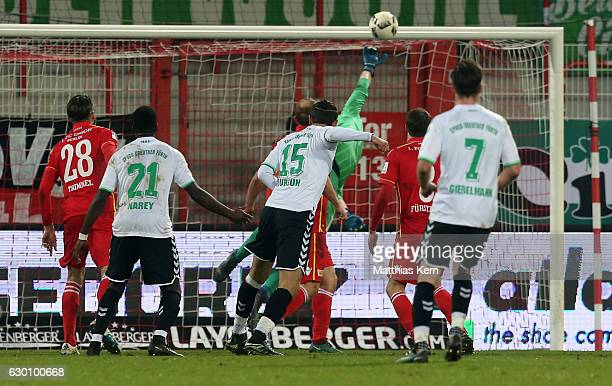 Serdar Dursun of Fuerth scores the second goal during the Second Bundesliga match between 1 FC Union Berlin and SpVgg Greuther Fuerth at Stadion An...