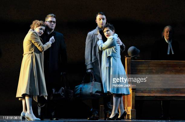 Serena Malfi as Dorabella Paolo Fanale as Ferrando Gyula Orendt as Guglielmo Salome Jicia as Fiordiligi and Thomas Allen as Don Alfonso in The Royal...