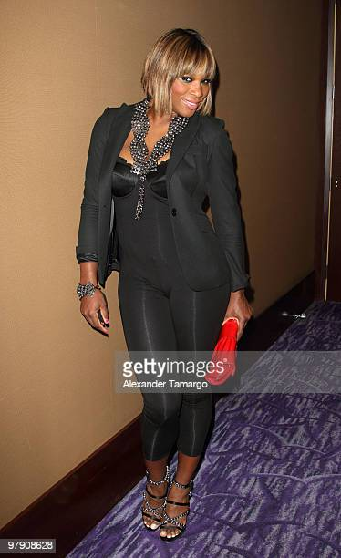 Serena Williams attends Telemundo's annual gala for the Women of Tomorrow Mentor Scholarship Program at Mandarin Oriental on March 20 2010 in Miami...