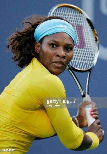Serena Williams looks to return a shot to Na Li of China at the Bank of the West Classic Day Two at Stanford University on July 28 2009 in Stanford...