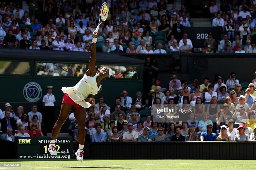 The Championships - Wimbledon 2010: Day Two : ニュース写真