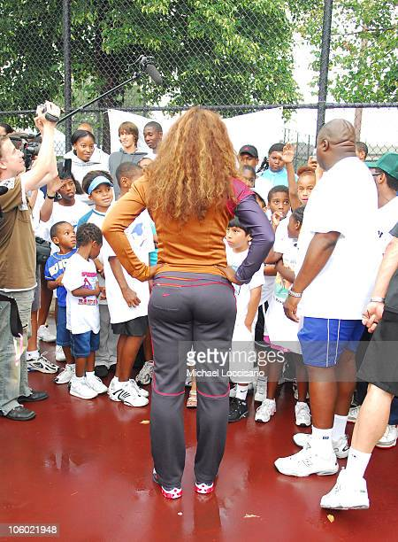 Serena Williams with USTA and Harlem Tennis and Education Program Students