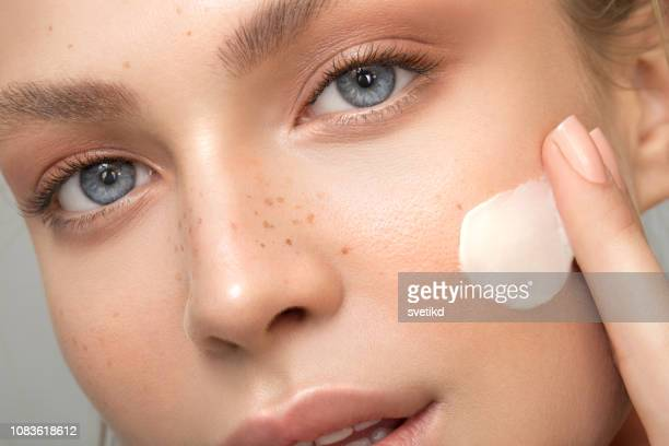 serene beauty - skin care stock pictures, royalty-free photos & images