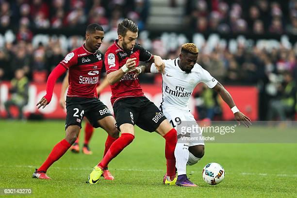 Serge Aurier of Paris Saint Germain and Lucas Deaux of Guingamp during the French Ligue 1 match between Guingamp and Paris Saint Germain at Stade du...