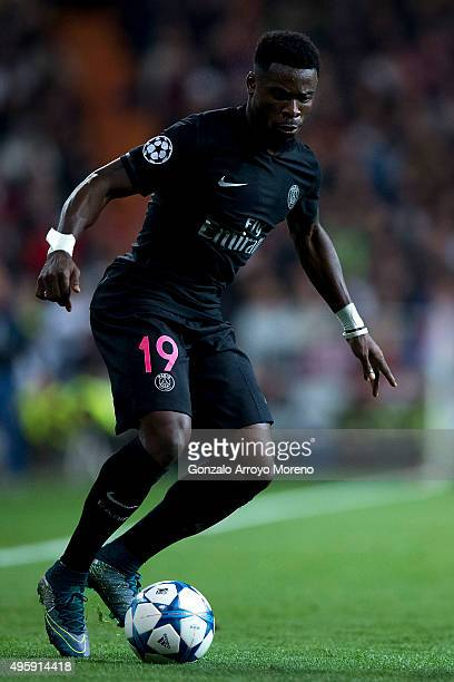 Serge Aurier of Paris SaintGermain controls the ball during the UEFA Champions League Group A match between Real Madrid CF and Paris SaintGermain at...