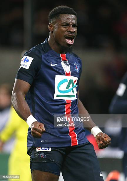 Serge Aurier of PSG celebrates the third goal of his team during the French Cup match between Paris SaintGermain and Olympique Lyonnais at Parc des...