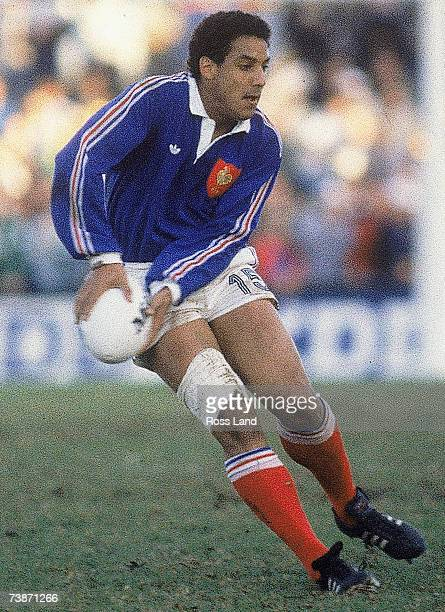 Serge Blanco of France looks to pass during the 1987 Rugby World Cup SemiFinal match between Australia and France at Concord Oval on June 13 1987 in...