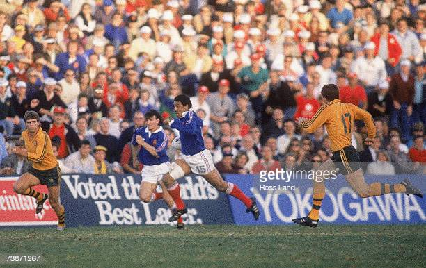 Serge Blanco of France makes a break during the 1987 Rugby World Cup Semi-Final match between Australia and France at Concord Oval on June 13, 1987...
