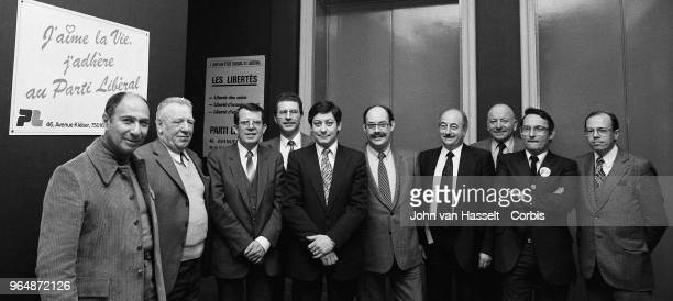 Serge Dassault announces the creation of a new Parti Libéral and introduces his candidates on February 20 1982 in Paris France Serge Dassault is an...