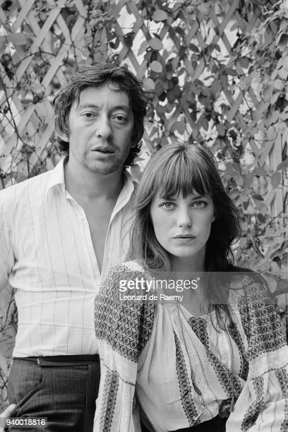 Serge Gainsbourg and British actress and singer Jane Birkin at home, in Rue de Verneuil, 26th August 1970
