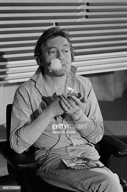 Serge Gainsbourg sur le plateau du journal de 13H de TF1 à Paris France le 19 septembre 1985