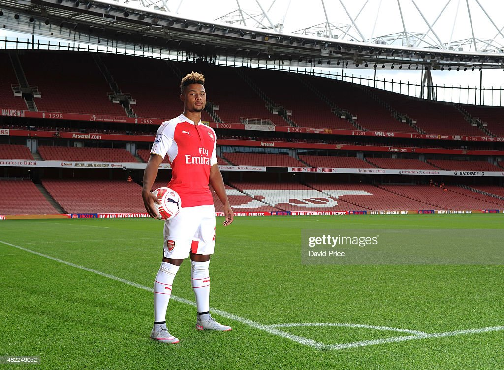 Arsenal First Team Photocall : News Photo