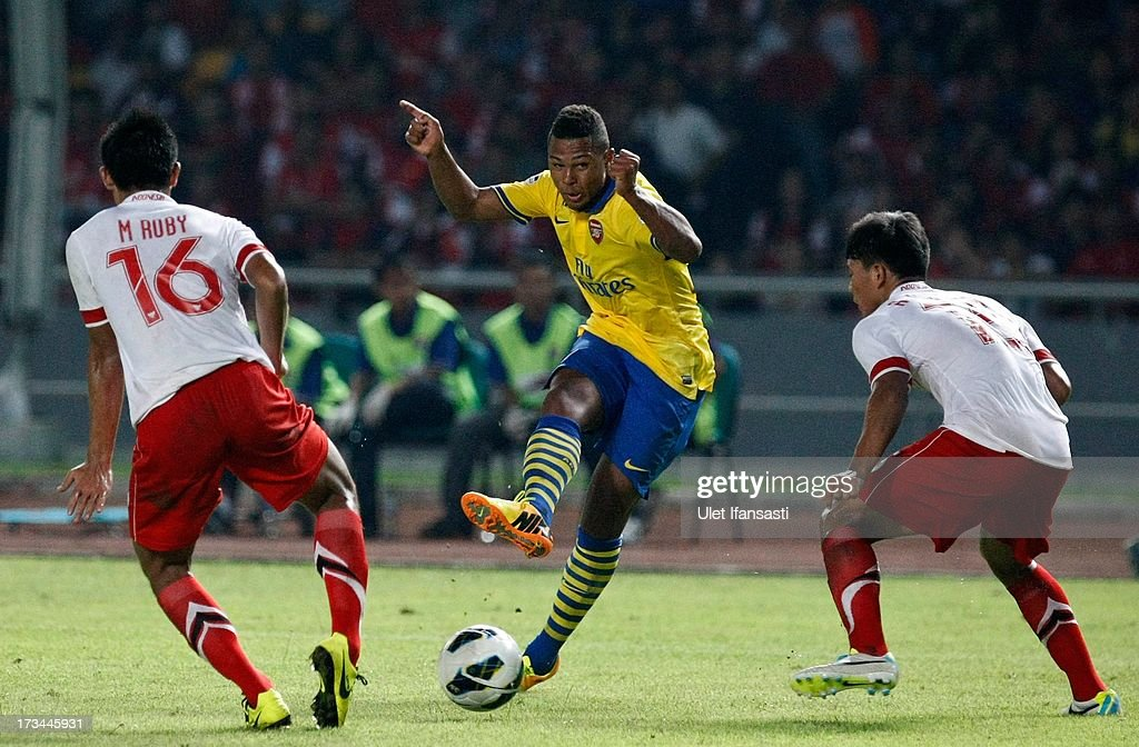 Serge Gnarby (C) of Arsenal passes the ball during the match between Arsenal and the Indonesia All-Stars at Gelora Bung Karno Stadium on July 14, 2013 in Jakarta, Indonesia.