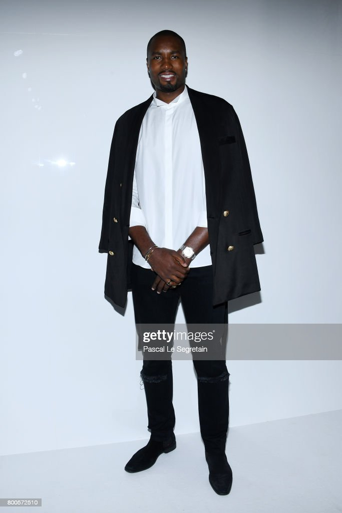 Serge Ibaka attends the Balmain Menswear Spring/Summer 2018 show as part of Paris Fashion Week on June 24, 2017 in Paris, France.