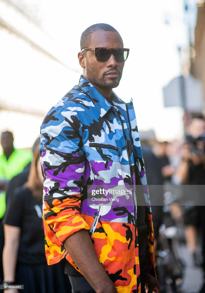Street Style -Paris Fashion Week - Menswear Spring-Summer 2019 : Day Two
