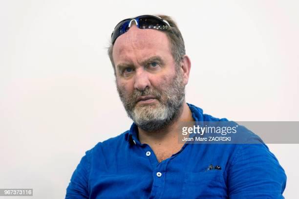 Serge Joncour écrivain français lauréat des prix de l'Humour noir en 2005 des Deux Magots en 2015 et Interallié en 2016 lors du Salon du Livre le 25...