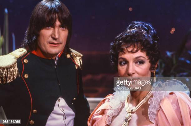 Serge Lama en Napoléon et Nana Mouskouri en Joséphine de Beauharnais dans l'émission 'Numéro 1' des Carpentier qui lui est consacrée en octobre 1982...