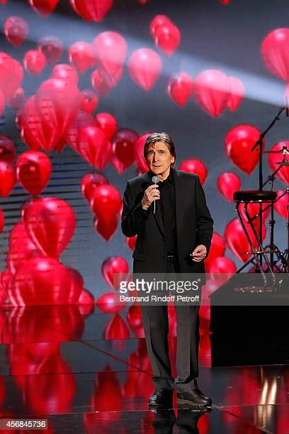 Serge Lama performs Les Ballons Rouges during 'C'est votre vie' guest Laurent Gerra Show in Studio de la PlaineSaintDenis on October 7 2014 in La...