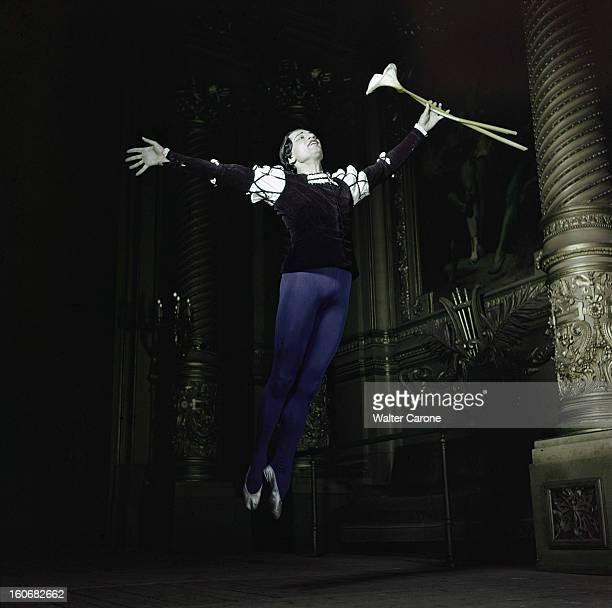 Serge Lifar In The Ballet 'giselle' At The Paris Opera dans le ballet Giselle Attitude de Serge LIFAR dans le costume du 2ème acte du ballet...