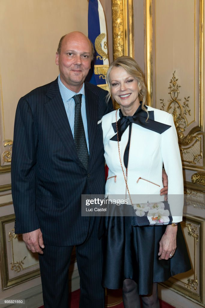 Wedding Of Helene Of Yugoslavia And Stanislas Fougeron At Mairie Du VII In Paris : Photo d'actualité