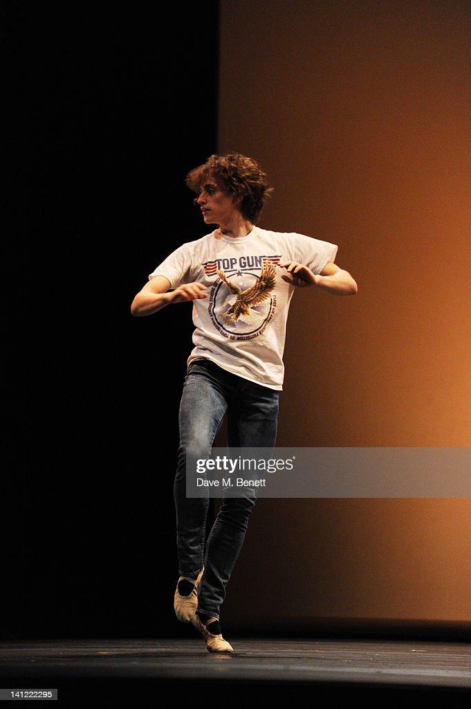"Event Name: Ivan Putrov 's "" Men in Motion"" rehearsal : News Photo"
