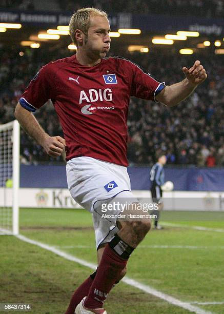 Sergej Barbarez of Hamburg celebrates scoring the first goal during the UEFA Cup Group A match between Hamburg SV and Slavia Prague at the AOL Arena...