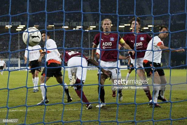 Sergej Barbarez of Hamburg scores the first goal during the Intertoto Cup Final between Hamburger SV and FC Valencia at the AOL Arena on August 9...