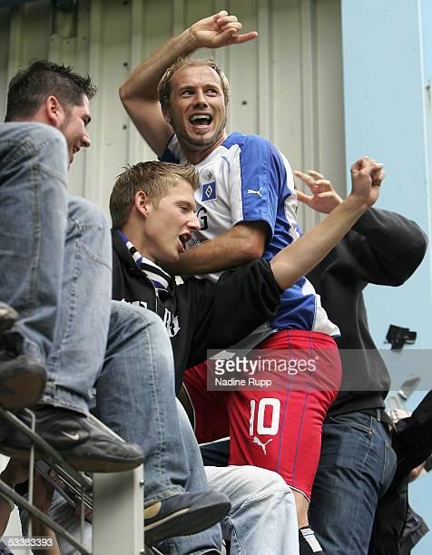 Sergej Barbarez of HSV celebrates winning the the Bundesliga match between Arminia Bielefeld and Hamburger SV at the Schuco Arena on August 13, 2005...