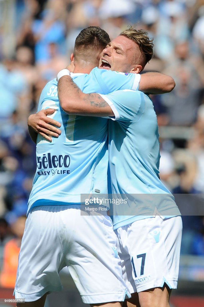 Sergej Milinkovic Savic of SS lazio celebrates a opening goal with his team mates during the serie A match between SS Lazio and UC Sampdoria at Stadio Olimpico on April 22, 2018 in Rome, Italy.