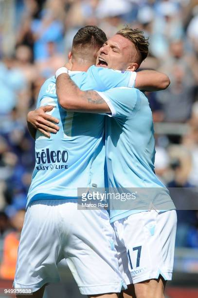 Sergej Milinkovic Savic of SS lazio celebrates a opening goal with his team mates during the serie A match between SS Lazio and UC Sampdoria at...