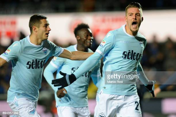 Sergej Milinkovic Savic of SS Lazio celebrates a second gola with his team matesduring the Serie A match between Atalanta BC and SS Lazio at Stadio...