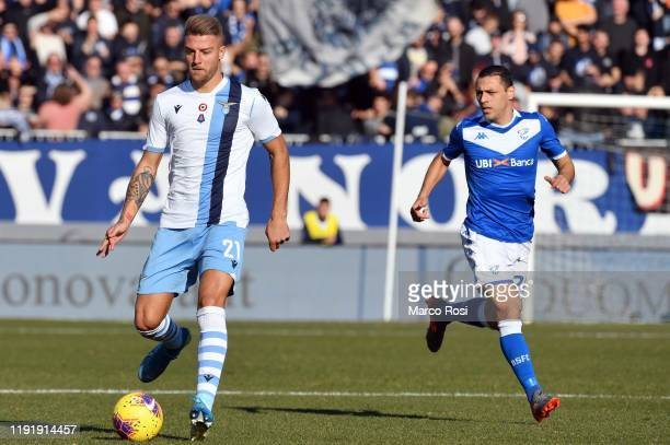 Sergej Milinkovic Savic of SS Lazio in action during the Serie A match between Brescia Calcio and SS Lazio at Stadio Mario Rigamonti on January 5...
