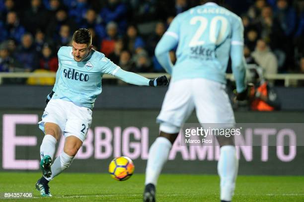 Sergej Milinkovic Savic of SS Lazio scores a second goal during the Serie A match between Atalanta BC and SS Lazio at Stadio Atleti Azzurri d'Italia...