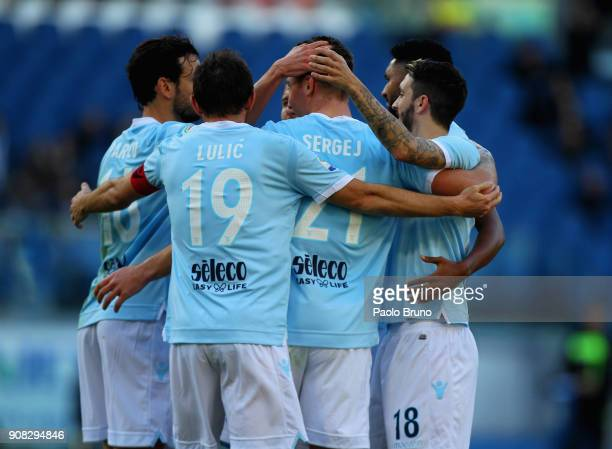 Sergej Milinkovic with his teammates of SS Lazio celebrates after scoring the team's second goal during the Serie A match between SS Lazio and AC...
