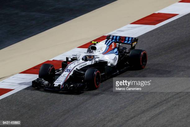 Sergey Sirotkin of Russia driving the Williams Martini Racing FW41 Mercedes on track during qualifying for the Bahrain Formula One Grand Prix