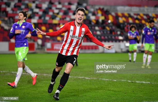 Sergi Canos of Brentford celebrates after scoring his team's first goal during the Sky Bet Championship match between Brentford and Bristol City at...