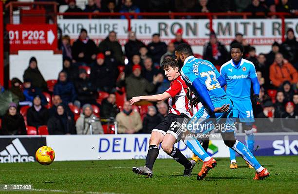 Sergi Canos of Brentford FC scores the 2nd Brentford goal during the Sky Bet Championship match between Brentford and Wolverhampton Wanderers on...