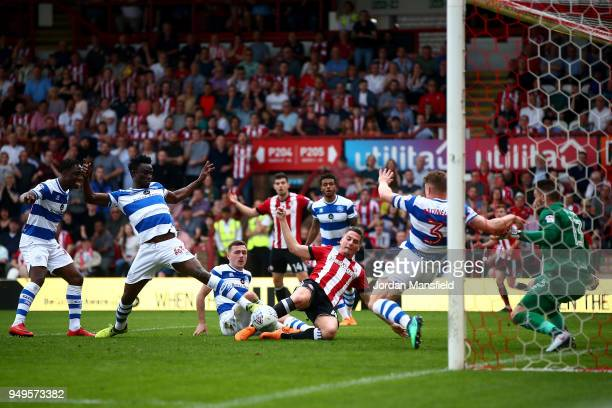 Sergi Canos of Brentford scores his sides first goal during the Sky Bet Championship match between Brentford and Queens Park Rangers at Griffin Park...
