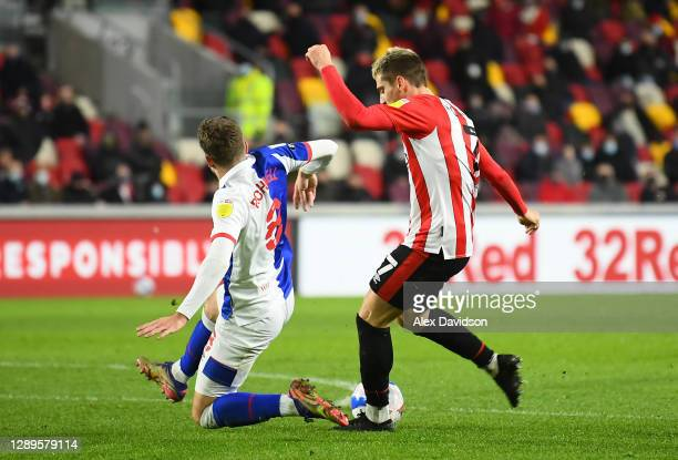 Sergi Canós of Brentford scores his sides second goal during the Sky Bet Championship match between Brentford and Blackburn Rovers at Brentford...