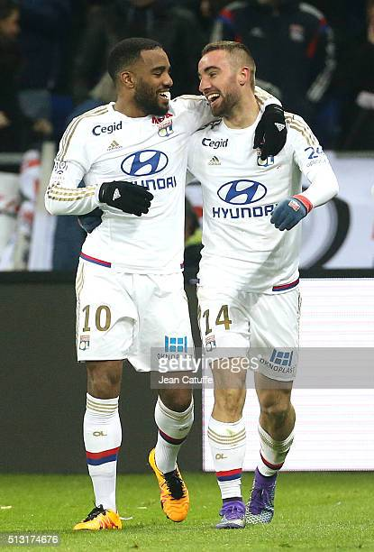 Sergi Darder of Lyon celebrates his goal with Alexandre Lacazette of Lyon during the French Ligue 1 match between Olympique Lyonnais and Paris...
