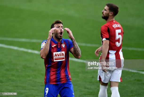 Sergi Enrich of SD Eibar reacts after a missed chance during the La Liga match between SD Eibar SAD and Athletic Club at Ipurua Municipal Stadium on...