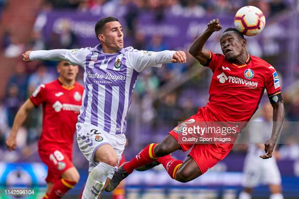 Sergi Guardiola of Valladolid battle for the ball with Dakonam Djene of Getafe during the La Liga match between Real Valladolid CF and Getafe CF at...