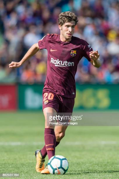 Sergi Roberto Carnicer of FC Barcelona in action during the La Liga 201718 match between Getafe CF and FC Barcelona at Coliseum Alfonso Perez on 16...
