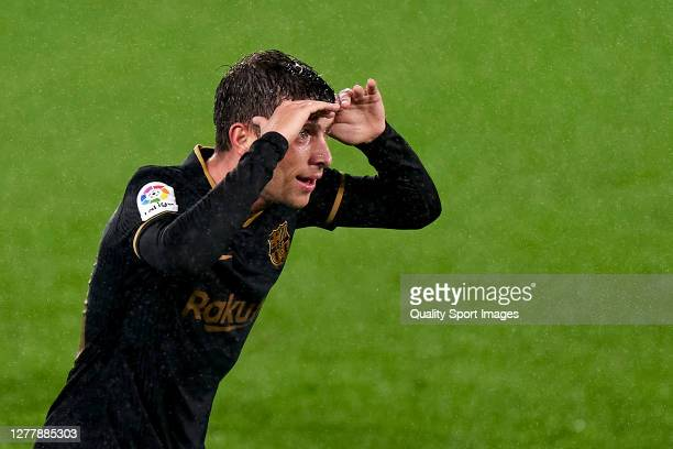 Sergi Roberto of FC Barcelona celebrates after scoring his team's third goal during the La Liga Santander match between RC Celta and FC Barcelona at...