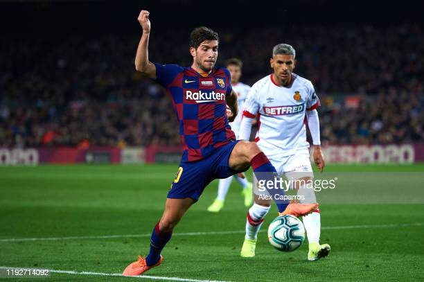 Sergi Roberto of FC Barcelona controls the ball during the Liga match between FC Barcelona and RCD Mallorca at Camp Nou on December 07 2019 in...