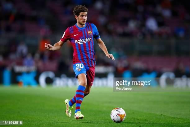 Sergi Roberto of FC Barcelona pass the ball during the La Liga Santander match between FC Barcelona and Granada CF at Camp Nou on September 20, 2021...